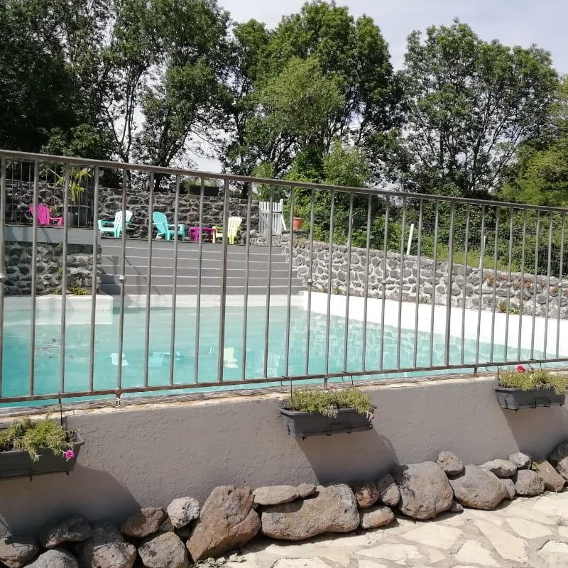 Grande piscine commune