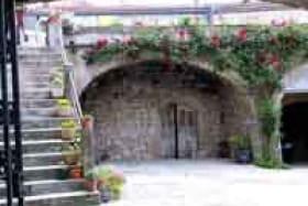 Saint Sauveur de Cruzieres-Moulin à huile Vezon