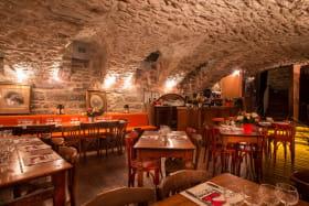Bouchon Les Lyonnais - Bar Caveau