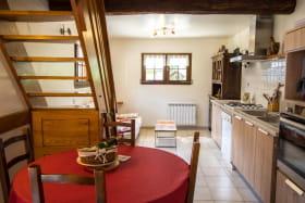 Espace cuisine et salon
