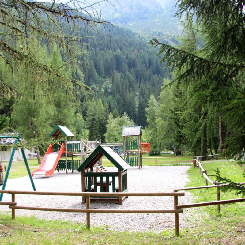Espace jeux du camping à Champagny le Haut