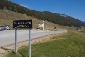 Plateau Glières cyclistes 191017-07-© Dep74 - L. Guette