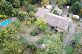 Vue aérienne des gîtes de Fouard