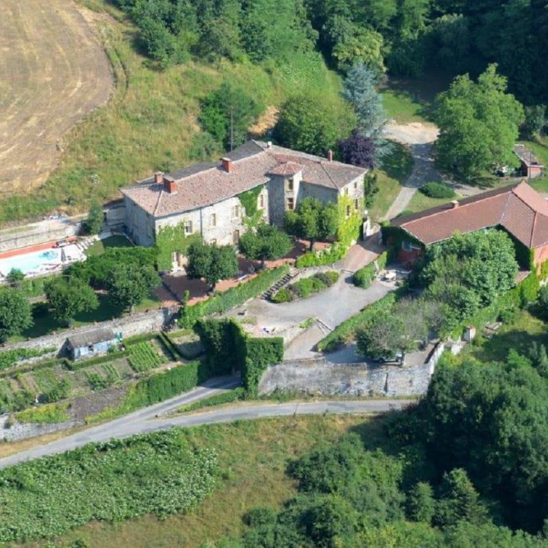 Grand gîte du Château de Charfetain à Brullioles (12 personnes, Rhône - Monts du Lyonnais)