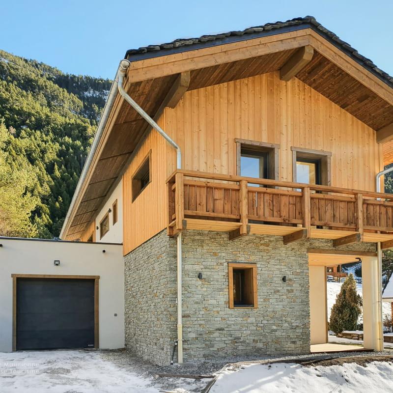 Magnifique chalet individuel en bois et pierre avec garage à Val Cenis Bramans.