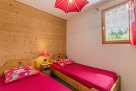 Chambre avec lits simples