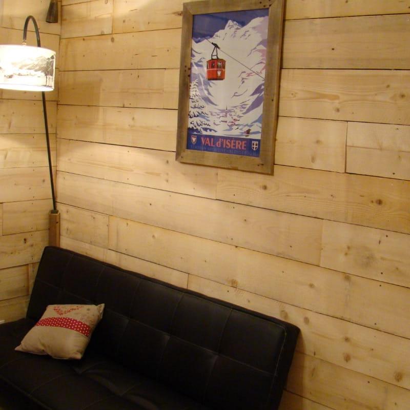 Studio à louer pour vos vacances à Val d'Isère - Ambiance chalet coin salon