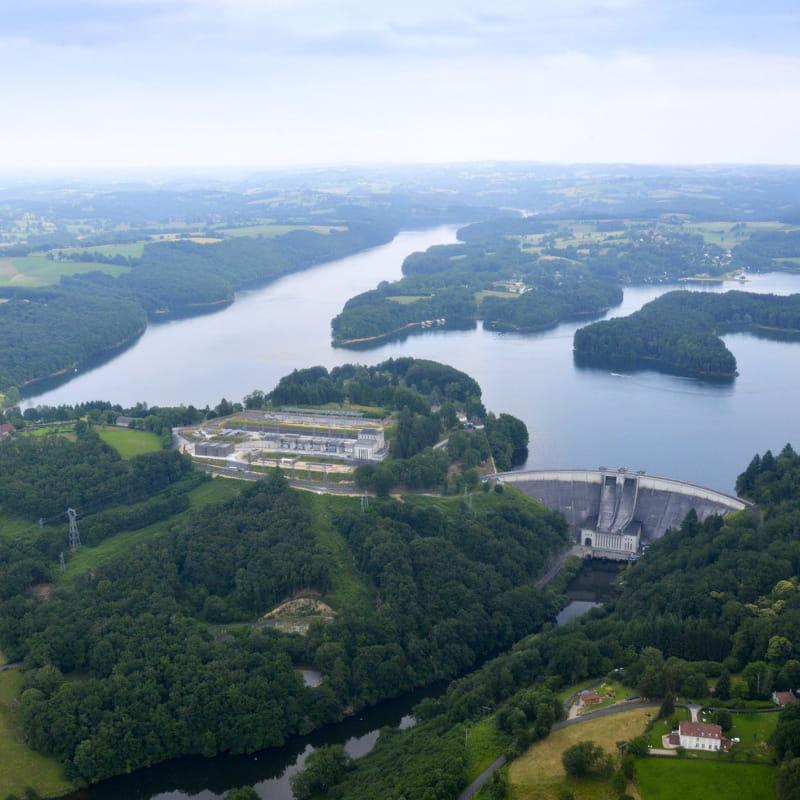 Lac du Barrage de St Etienne Cantalès