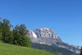 Vue sur le massif des Aravis depuis le chalet