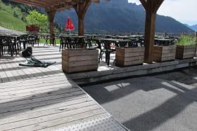 Restaurant savoyard avec terrasse au Col de la Forclaz
