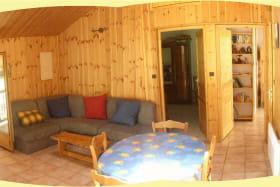 le salon et les deux chambres