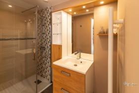 gite d'Appolline salle d'eau de la chambre lit double