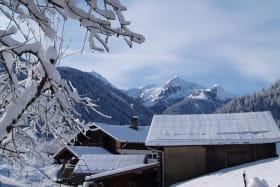 Vue du Gîte sur le Grand-Mont, la Légette, les pistes du Planay