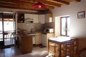 La cuisine, salle à manger.