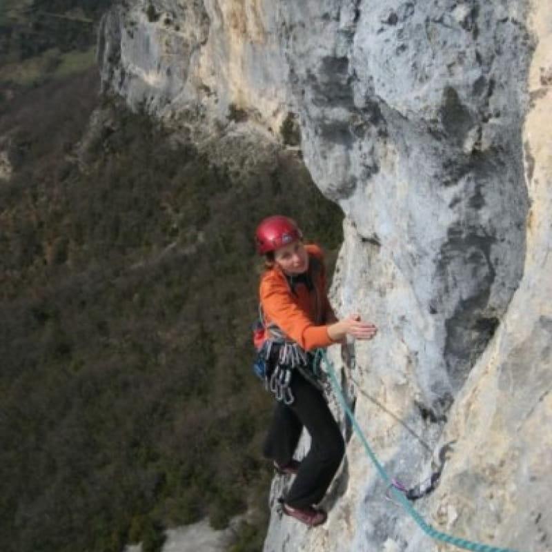 Escalade sur les falaises à Presles