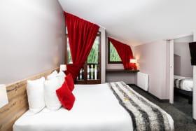 A Valfréjus, chambre de l'hôtel-club du Soleil