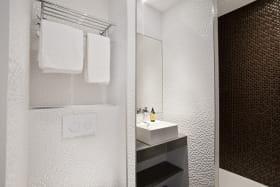 Salle de bains bis