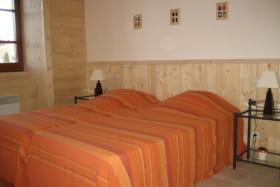 Chambre de l'appartement n°2  de la Ferme de Oise