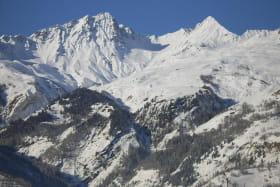 Vue du gîte sur la montagne du Roignaix