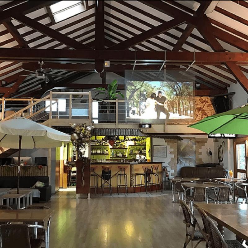 salle de restaurant - piste de danse - bar
