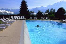Piscine Hotel 4* Aux Ducs de Savoie à Combloux