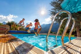 Nouvelle piscine et terrasse (2020). photos : Loïc Perron - www.loic-perron-photo.fr