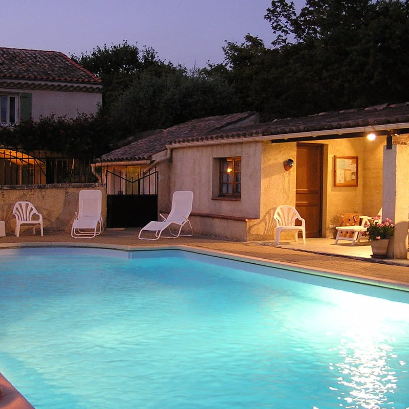 Maison d'hôtes en Drôme Provençale- Piscine
