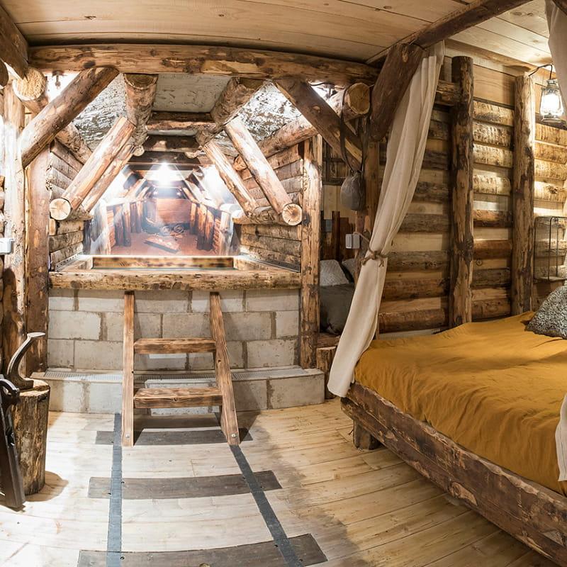 Vue lit baldaquin, sauna et jacuzzi