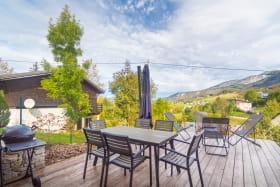 Terrasse privative avec vue sur le Val de Lans. Octobre 2020