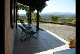 Gîte indépendant en Ardèche méridionale - Véranda côté vallée