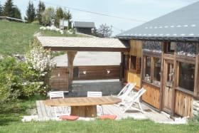 Chalet pour 5 personnes sur les pistes de ski de la station familiale de Sommand Praz de Lys (Savoie Mont Blanc)