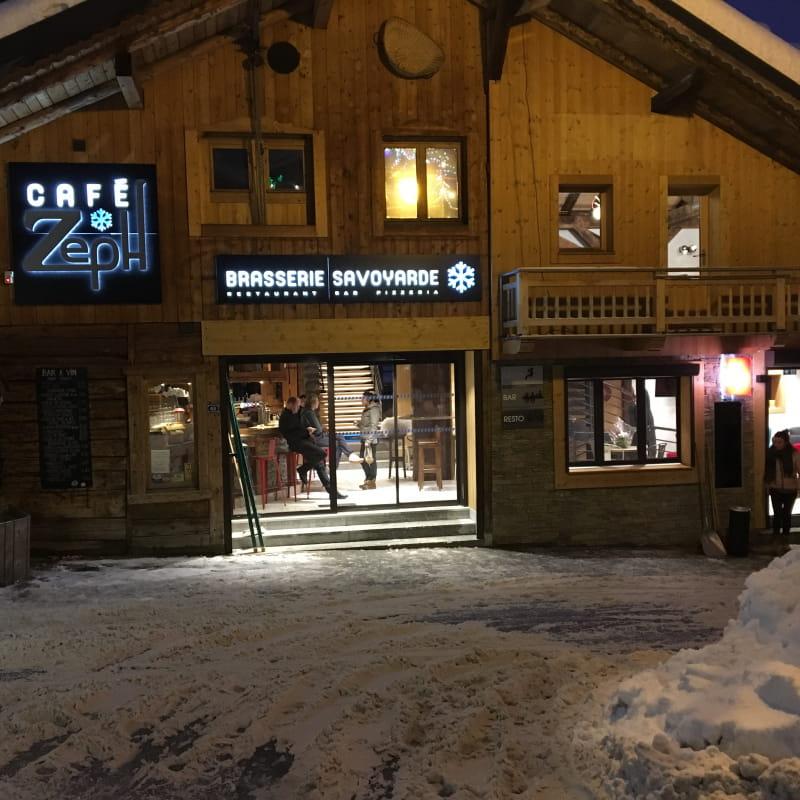 Café Zeph façade en hiver