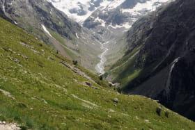 Au fond, le glacier de la Pïlatte
