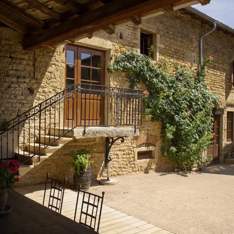 Gîte - 36 personnes - Le « Relais des pierres Dorées » à Lacenas dans le Beaujolais - Rhône.