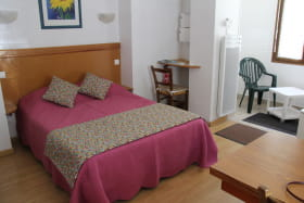 location-3etoiles-aixlesbainsrivieradesalpes-darghouth-chambre