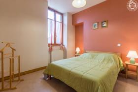 Gîte 73G293103 - Thoiry Chambre avec lit double en 140x190