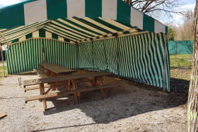 Espace couvert - Camping Isle de la Serre