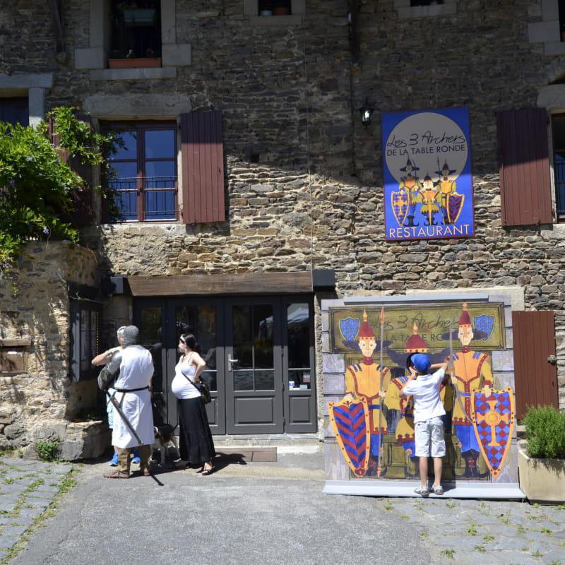 vue du restaurant les 3 archers de la table ronde