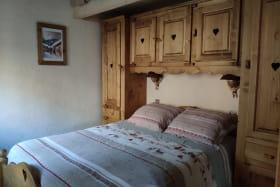 A Lanslebourg Val Cenis, charmant appartement 7 couchages dans une batisse typique