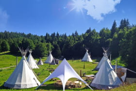 Nuit avec repas au village Tipi à Savoie Grand Revard