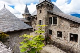 Chateau Manuel de Locatel