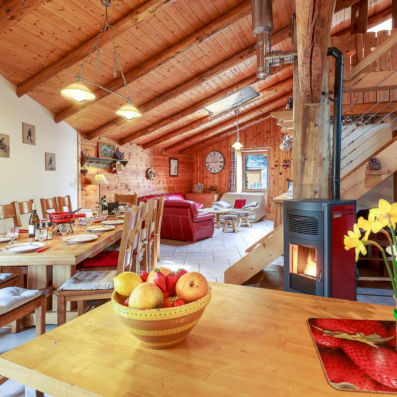 Grande pièce de vie de 69m² avec cuisine, séjour et salon
