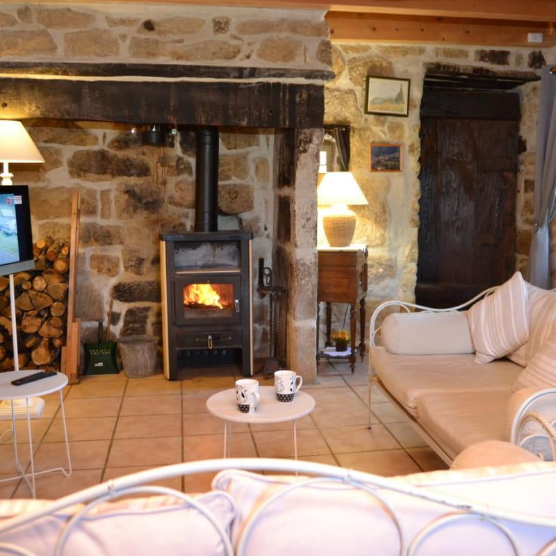 Le salon et son espace chaleureux