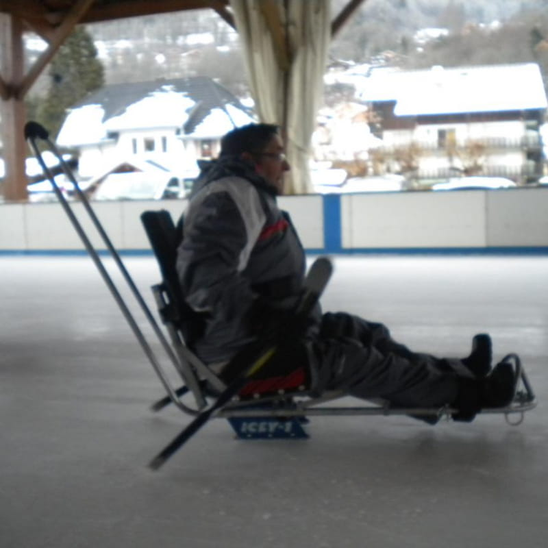 Luge patinoire pour les personnes en situation de handicap