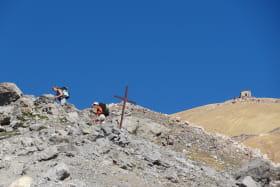 Vue estivale sur la chapelle du Mont Thabor