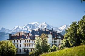 Résidence du Mont-Blanc devant le Mont-Blanc