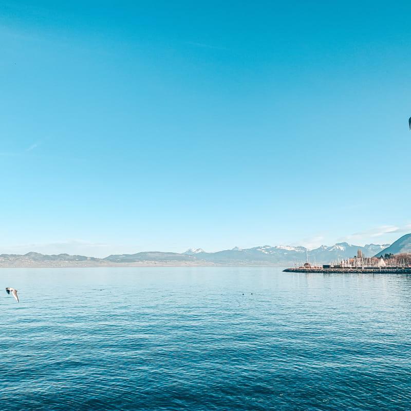 Promenade sur les quais d'Evian