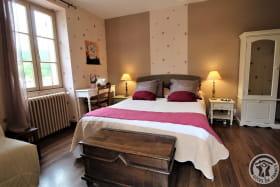 Chambre d'hôtes 'La Fuserie' à Ouroux (Rhône - Beaujolais Vert) : la chambre.