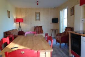 Maison Le Chalet des Patûres Rochefort-Montagne salle à manger