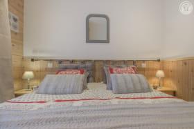 Draps inclus et lits faits à l'arrivée